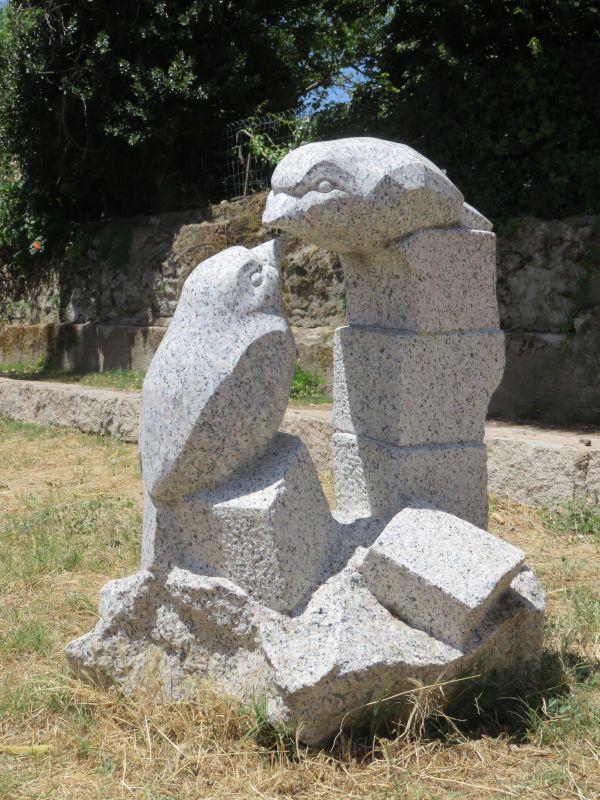 Oiseaux, granit de Corse, 50x75x100, Quenza